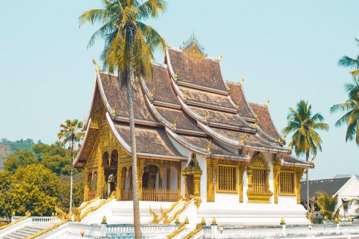 backpackers wanderlust Laos