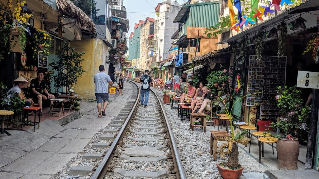 How to Spend 4 Weeks in Vietnam from South to North