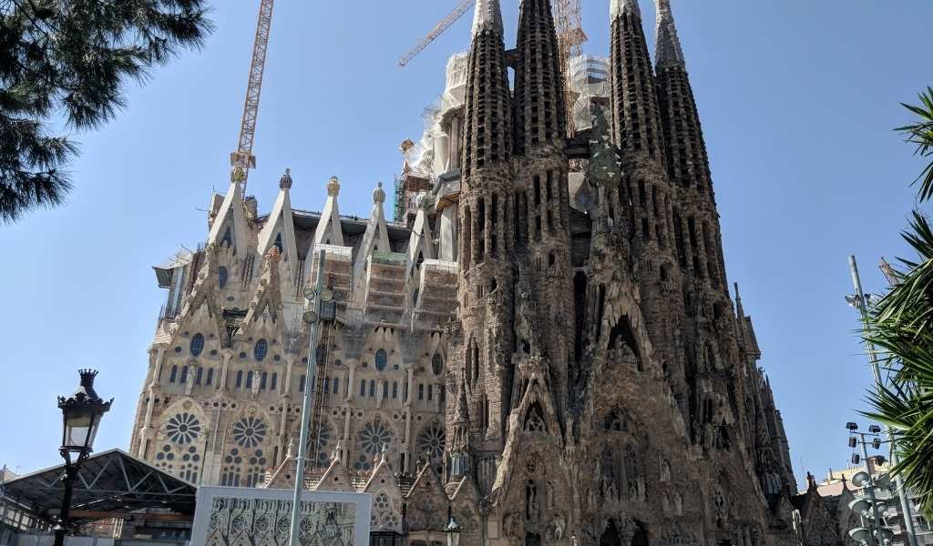 21 Facts About the Sagrada Familia That Might Surprise You