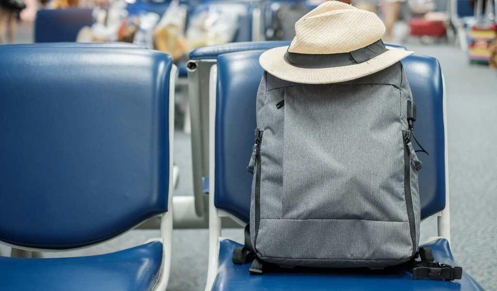 8 Best Business Backpacks for Travel [UK Guide]